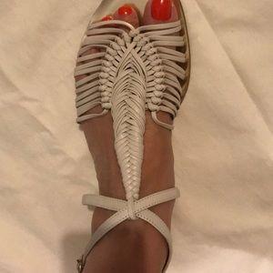 Vince Camuto Artists Sandals. Sz 8 1/2. Cream